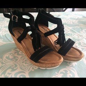 Minnetonka Black Suede Tassel Wedge Sandal Size 7